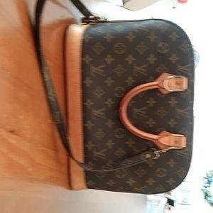 Louis Vuitton Alma Handbag with Monogram Shoulder